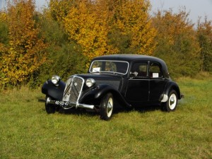 Citroen Traction zwart